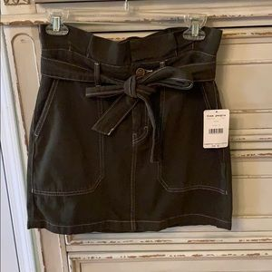Free people size 6 green denim skirt